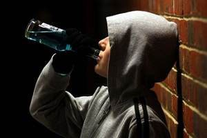 Сборы и настойки с ядовитыми растениями вылечат от алкогольной зависимости